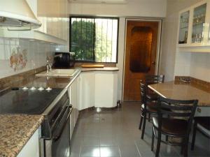 Apartamento En Venta En Caracas - Terrazas del Avila Código FLEX: 17-11556 No.5
