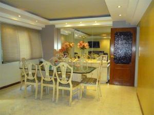 Apartamento En Venta En Caracas - Terrazas del Avila Código FLEX: 17-11556 No.3