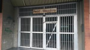 Local Comercial En Ventaen Valencia, Avenida Bolivar Norte, Venezuela, VE RAH: 17-11625