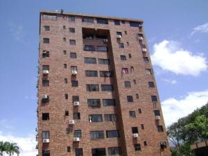 Apartamento En Venta En Valencia, Trigal Norte, Venezuela, VE RAH: 17-11620