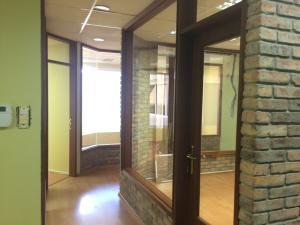 Oficina En Alquiler En Maracaibo, Avenida El Milagro, Venezuela, VE RAH: 17-11633