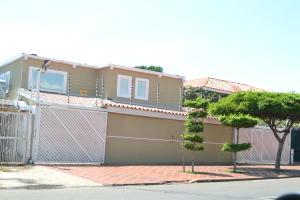 Casa En Venta En Maracaibo, Doral Norte, Venezuela, VE RAH: 17-11634