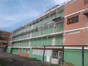 Apartamento En Venta En Valencia, La Isabelica, Venezuela, VE RAH: 17-11647