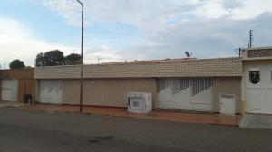 Casa En Venta En Maracaibo, Las Camelias, Venezuela, VE RAH: 17-11665