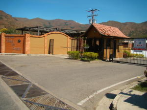 Casa En Venta En Municipio San Diego, La Cumaca, Venezuela, VE RAH: 17-11686