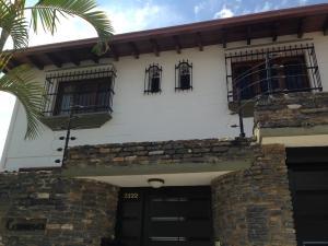 Casa En Venta En Caracas, Los Naranjos Del Cafetal, Venezuela, VE RAH: 17-11717