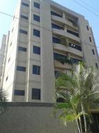 Apartamento En Ventaen Catia La Mar, Playa Grande, Venezuela, VE RAH: 17-11714