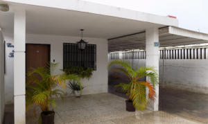 Casa En Venta En Maracaibo, Cecilio Acosta, Venezuela, VE RAH: 17-11736