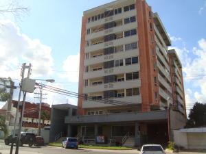 Apartamento En Venta En Valencia, Agua Blanca, Venezuela, VE RAH: 17-11794