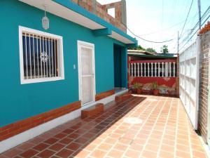Casa En Venta En Margarita, Maneiro, Venezuela, VE RAH: 17-11958