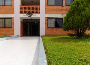 Apartamento En Ventaen Maracaibo, Avenida Milagro Norte, Venezuela, VE RAH: 17-11800