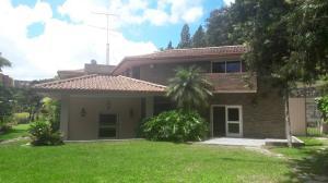 Casa En Venta En Caracas, La Lagunita Country Club, Venezuela, VE RAH: 17-11836