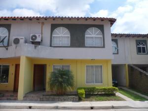 Casa En Venta En Municipio San Diego, Pueblo De San Diego, Venezuela, VE RAH: 17-11830
