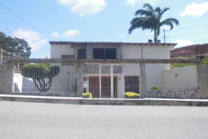 Casa En Ventaen Barquisimeto, Colinas De Santa Rosa, Venezuela, VE RAH: 17-11984