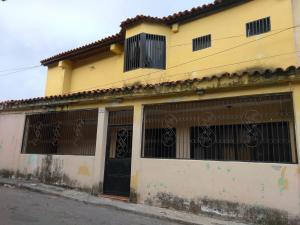 Casa En Ventaen Barquisimeto, Parroquia Santa Rosa, Venezuela, VE RAH: 17-11842