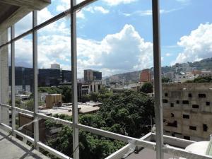 Oficina En Venta En Caracas - Las Mercedes Código FLEX: 17-11877 No.2