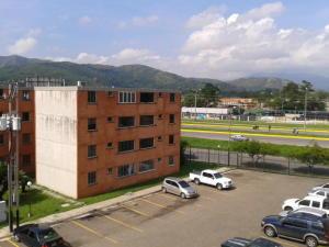 Apartamento En Venta En Municipio San Diego, El Tulipan, Venezuela, VE RAH: 17-11887