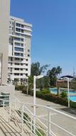 Apartamento En Venta En Maracaibo, Avenida El Milagro, Venezuela, VE RAH: 17-11926