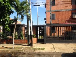 Apartamento En Venta En Coro, Av El Tenis, Venezuela, VE RAH: 17-11968