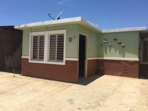Casa En Venta En Punto Fijo, Pedro Manuel Arcaya, Venezuela, VE RAH: 17-12020