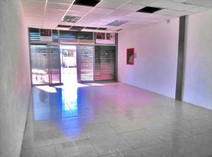 Local Comercial En Alquiler En Punto Fijo, El Cardon, Venezuela, VE RAH: 16-17084