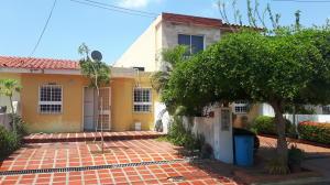 Townhouse En Venta En Maracaibo, Santa Fe, Venezuela, VE RAH: 17-11629