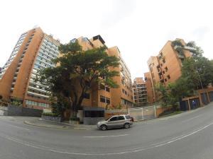 Apartamento En Alquiler En Caracas, Campo Alegre, Venezuela, VE RAH: 17-12073