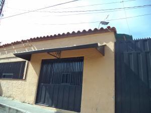 Casa En Venta En Cabudare, Parroquia José Gregorio, Venezuela, VE RAH: 17-12093
