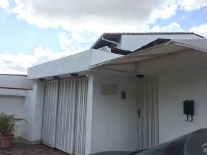 Casa En Venta En Caracas, Santa Ines, Venezuela, VE RAH: 17-12098
