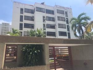 Apartamento En Venta En Parroquia Caraballeda, Caribe, Venezuela, VE RAH: 17-12148