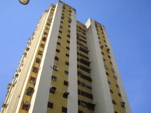 Apartamento En Venta En Turmero, Zona Centro, Venezuela, VE RAH: 17-12136