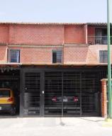 Townhouse En Venta En Guatire, El Encantado Ii, Venezuela, VE RAH: 17-12139