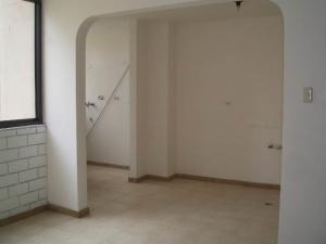 Apartamento En Venta En Maracay, Base Aragua, Venezuela, VE RAH: 17-12161