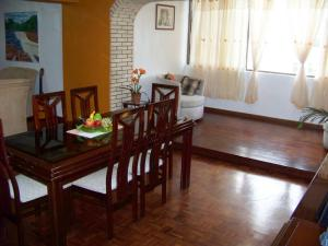 Apartamento En Venta En Valencia, Prebo I, Venezuela, VE RAH: 17-12160