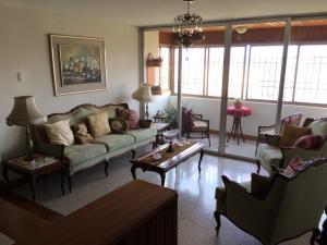 Apartamento En Venta En Maracaibo, Circunvalacion Dos, Venezuela, VE RAH: 17-12159