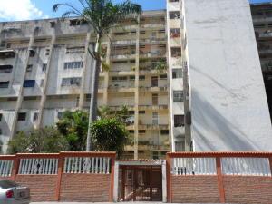 Apartamento En Ventaen Caracas, Caricuao, Venezuela, VE RAH: 17-12171