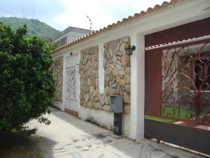 Casa En Venta En Valencia, Trigal Sur, Venezuela, VE RAH: 17-12175