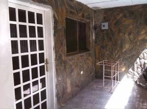 Casa En Venta En Punto Fijo, Antiguo Aeropuerto, Venezuela, VE RAH: 17-9777