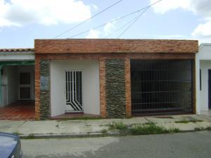 Casa En Venta En Municipio San Diego, Monteserino, Venezuela, VE RAH: 17-12183