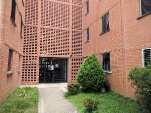 Apartamento En Venta En Municipio San Diego, El Tulipan, Venezuela, VE RAH: 17-12195