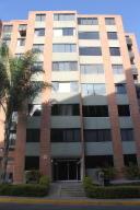 Apartamento En Alquiler En Caracas, Los Naranjos Humboldt, Venezuela, VE RAH: 17-12242