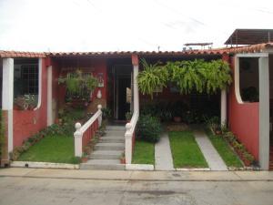 Casa En Venta En Cabudare, La Mora, Venezuela, VE RAH: 17-12260