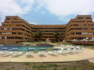 Apartamento En Venta En Tucacas, Tucacas, Venezuela, VE RAH: 17-12306