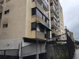 Apartamento En Venta En Caracas, Los Palos Grandes, Venezuela, VE RAH: 17-12317