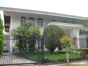 Casa En Venta En Caracas, La Boyera, Venezuela, VE RAH: 17-12323