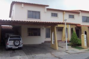 Casa En Venta En Cabudare, Parroquia José Gregorio, Venezuela, VE RAH: 17-12325