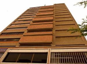 Oficina En Venta En Maracaibo, 5 De Julio, Venezuela, VE RAH: 17-12386