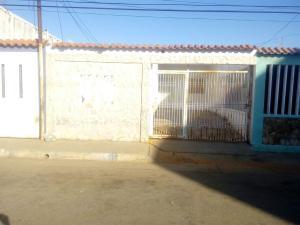Casa En Venta En Municipio San Francisco, El Caujaro, Venezuela, VE RAH: 17-12375