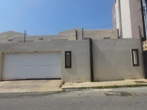 Townhouse En Ventaen Maracaibo, Monte Bello, Venezuela, VE RAH: 17-12361