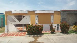 Casa En Venta En Municipio Los Guayos, Buenaventura, Venezuela, VE RAH: 17-12417